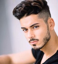 20 Cool Haircuts for Men With Round Face -Men Hairstyles black haircut styles for round faces - Black Haircut Styles Trendy Mens Haircuts, Haircuts For Long Hair, Cool Haircuts, Hairstyles For Receding Hairline, Quiff Hairstyles, Hair And Beard Styles, Short Hair Styles, Round Face Men, Round Faces