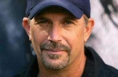 Kevin Costner :: http://de.wikipedia.org/wiki/Kevin_Costner