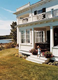 This is on Islesboro! It was the Islesboro Inn and then Kirstie Alley bought it.such a beauty Future House, My House, House Porch, Maine Cottage, Beach Cottages, Beach Houses, House Goals, Porches, My Dream Home