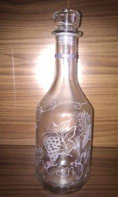 botella para vino grabada artesanalmente