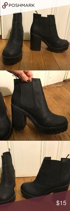 H&M chunky black booties Black chunky rubber booties. Worn 1X! Whether proof with good grip. Perfect for Spring showers! Divided Shoes Ankle Boots & Booties