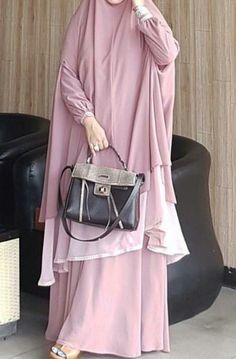 50 Summer Outfit Ideas You Need To Try - Luxe Fashion New Trends - Fashion Ideas Muslim Dress, Hijab Dress, Hijab Outfit, Moslem Fashion, Niqab Fashion, Fashion Outfits, Hijabi Gowns, Modele Hijab, Hijab Collection
