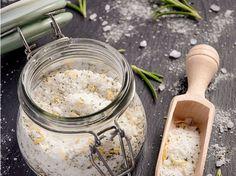 Salz ist nicht nur zum Einzug ein schönes Geschenk, sondern kann auch als kleiner 'Gruß' an einen lieben Menschen eine nette Idee