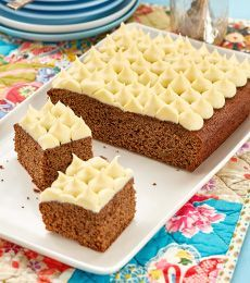 This is a simple warming slice to take to the office and share with a cup of morning tea. Tea Recipes, Kitchen Recipes, Sweet Recipes, Cake Recipes, Recipies, Cadbury Chocolate, Chocolate Recipes, Easy Soft Flatbread Recipe, Small Cake