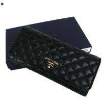 2013 Outlet Prada Portafoglio  è realizzata con pelle di qualità superiore e design della moda, che può essere il vostro gusto. Questo elegante e pratico $148.5