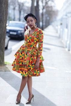 nigerian dress styles Who would have thought that African print clothes would look this good? Check out this stunning ankara print dress from this phenomenal designer. From ankara African Fashion Ankara, Latest African Fashion Dresses, African Dresses For Women, African Print Dresses, African Attire, Dress For Short Women, Nigerian Fashion, Ghanaian Fashion, African Prints