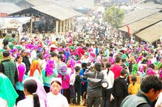 Khau Vai Love Market in Ha GIang- Many people rush to the market held once a year
