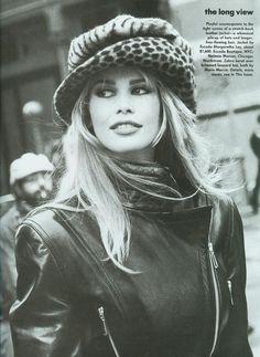 CLAUDIA SCHIFFER - ARTHUR ELGORT Vogue USA (julio 1992)