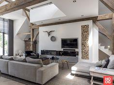 AL architecten - Transformatie van een monumentale boerderij in Zwolle - Hoog ■ Exclusieve woon- en tuin inspiratie. Living Room Interior, Living Room Decor, Living Room Designs, Living Spaces, Interior Styling, Interior Design, Dream Rooms, Interior Architecture, Villa