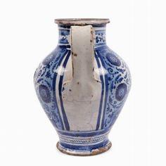 Brocca da farmacia Faenza, metà del sec. XVI - RETRO Maiolica Altezza cm 21 buona conservazione Provenienza: collezione privata