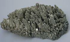 * Cristal de Magnésio *   Químicamente: Mg, de Número Atômico 12; Massa Atômica 24.