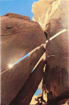 Sun Dagger solar marker at Equinox, Fajada Butte, Chaco Canyon, New Mexico   Culture: Anasazi // photo: Corson Hirschfeld