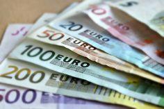 Korkeakoulutus kannattava investointi – Monella alalla mediaanipalkka yli 4000 €