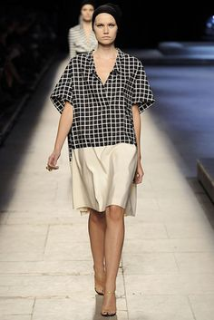 http://www.style.com/fashion-shows/spring-2009-ready-to-wear/dries-van-noten/collection