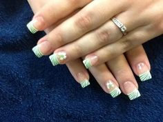 Four clovers nails designs. Love this for St. And I'm not even Irish! Makeup Tips, Beauty Makeup, Beauty Tips, Beauty Hacks, Hair Beauty, Manicure Ideas, Nail Ideas, Fancy Nails, My Nails