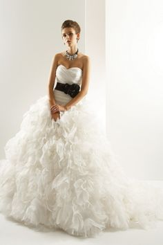 Attractive A-line Sweetheart Floor-Length Chapel Ruched Wedding Dresses