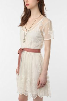 THIS. This is the dress I want to wear. This is my semi-formal dream dress!