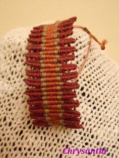 Macramé bracelet step by step.good photos but translate Macrame Earrings, Macrame Bag, Macrame Knots, Macrame Jewelry, Macrame Bracelets, Handmade Beaded Jewelry, Textiles, Jewelry Knots, Micro Macramé