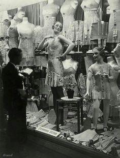 France. Paris,1930 // Brassaï