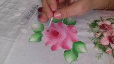 Pintura em tecido. Aprenda pintar rosas, folhas e fazer o acabamento.