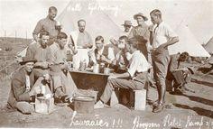 'n Foto van die Booysens Rebel Kamp tydens die rebellie van 1914-1915. Kry vandag jou Rebellie t-hemp by Afrikander om 'n eeu van veggees te herdenk.