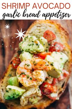 Shrimp Avocado Garlic Bread Appetizer. Looking for the perfect appetizer? This avocado garlic bread with shrimp is delicious, crunchy and packed with flavor and nutrients! Take your garlic bread to the next level with this shrimp avocado garlic bread appetizer! No Cook Appetizers, Shrimp Appetizers, Shrimp Avocado, Cafe Delites, Healthiest Seafood, Tailgate Food, Tasty, Yummy Food, Seafood Dinner