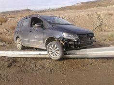 Hubo dos accidentes con personas heridas http://www.ambitosur.com.ar/hubo-dos-accidentes-con-personas-heridas/ Esta mañana se produjeron dos accidentes, uno sobre la ruta provincial N 1, en la rotonda de kilómetro 5, y el otro ocurrió sobre la ruta nacional N 3 en cercanías de Garayalde. Este último fue protagonizado por una camioneta Hiunday y el restante fue una VW Suran que terminó