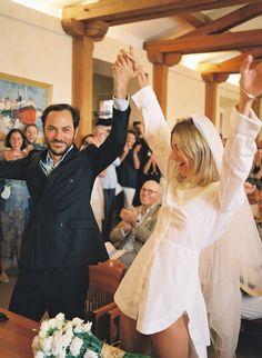 "Wedding Photos ""It was like Woodstock meets St.-Tropez,"" says the bride. - ""It was like Woodstock meets St.-Tropez,"" says the bride. Wedding Looks, Chic Wedding, Wedding Tips, Wedding Bride, Wedding Styles, Dream Wedding, Wedding Dresses, Vogue Wedding, City Hall Wedding"