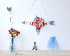 Felt flower arrow wall hanging sign, floral arrow mobile, boho arrow wall art, tribal flower nursery, baby arrow mobile, baby shower by mellsva on Etsy https://www.etsy.com/listing/277024192/felt-flower-arrow-wall-hanging-sign