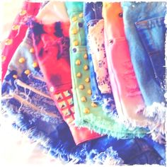 DIY shorts after im done with my collection my closet will look like this Diy Shorts, Cute Shorts, Short Shorts, Summer Shorts, Summer Outfits, Cute Outfits, Summer Clothes, School Outfits, Diy Pantalones Cortos