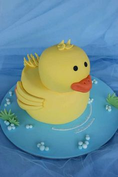 Vanilla Cake decorated with sugar paste (Fondant) Duck Cake Rubber Duck Cake, Rubber Ducky Party, 3d Cakes, Fondant Cakes, Food Art For Kids, Cake Shapes, Baby Shower, Cata, Specialty Cakes
