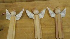 Engeltjes van ijsstokjes voor in de kerstboom gemaakt door CORINE Hoogvorst