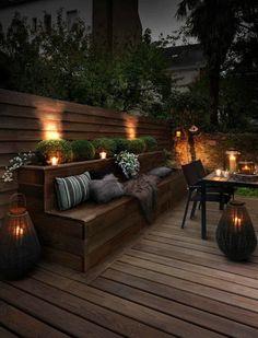 Outdoor lighting ideas for backyard, patios, garage. Diy outdoor lighting for front of house, backyard garden lighting for a party Design Exterior, Interior Exterior, Patio Design, Garden Design, Modern Exterior, Roof Terrace Design, Room Interior, Exterior Windows, Colonial Exterior