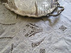Hand Embroidered Linen Tablecloth c.1930 Vintage Cutwork Lace Madeira Italian