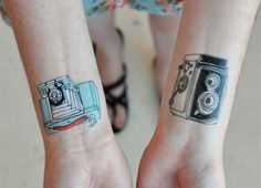 Si te gusta la fotografía, vas a disfrutar estos tatuajes de cámaras fotográficas