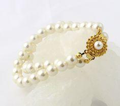 Vintage Costume Jewelry Pearl Bracelet  Creamy by RefinedRetro, $24.00
