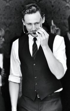 Thomas Hiddleston. It's like he gets more beautiful and dapper and lovely and perfect with every picture.