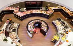 Muy original la distribución. Alberto Soto.      Dugardeyn butchers shop by Frigomil, Roeselare - Belgium