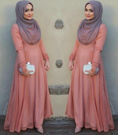 Isnt this  such a beautiful dress to wear for a hijabi.