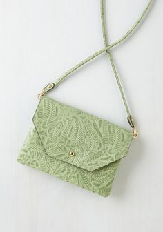 Set out in Style Bag in Mint Vines. This pastel green bag is your first choice for on-the-go afternoons! #mint #modcloth