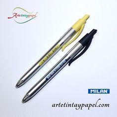 Bolígrafo Milan P1 silver. Cuerpo plateado con pinza para poder colgando de los bolsillos y pulsador en color amarillo, negro, rosa o turquesa. Punta de 1mm.