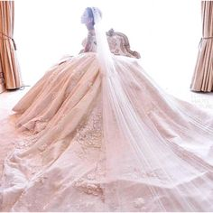 """Beautiful  Gown by @hiantjen  by @riomotret"""