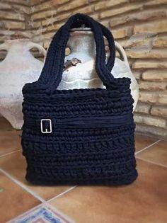 Bolso de trapillo negro by Crochet o ganchillo