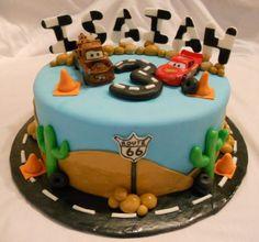 Google Image Result for http://bearheartbaking.com/wp-content/uploads/2011/05/Disney-Cars-Cake-1.jpg
