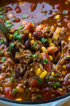 Taco Soup A quick and easy, pantry friendly taco soup! Slow Cooker Recipes, Meat Recipes, Dinner Recipes, Dinner Ideas, Mexican Breakfast Recipes, Mexican Food Recipes, Mexican Vegetable Soup, Taco Fillings, Crock Pot Soup