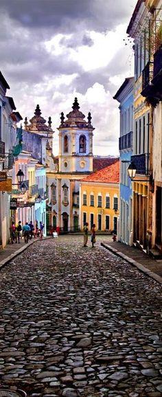 Salvador de Bahía, fundada como São Salvador da Bahia de Todos os Santos (se suele llamar solamente Salvador en Brasil) (San Salvador de la Bahía de Todos los Santos) es una ciudad y municipio brasileño, capital del estado de Bahía y primera capital del Brasil Colonial.