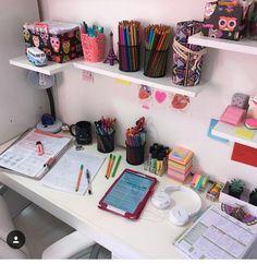 Trendy home organization bedroom book 54 Ideas Study Room Decor, Teen Room Decor, Diy Room Decor, Study Desk, Study Space, Desk Inspiration, Cute School Supplies, Trendy Home, Desk Organization