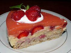 Módou posledních let se staly jahodové dorty s tvarohovými náplněmi. Jsou výtečné, ale... Ale stále tak nějak stejné. Jahodový dort s ořechy je jiný: jemný, chuťově zajímavý. Ale také mnohem levnější. Cheesecake, Cooking, Food, Kitchen, Cheesecakes, Essen, Meals, Yemek, Cherry Cheesecake Shooters
