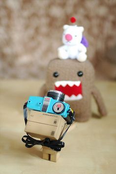 Danbo: Domo and Moogle, let me take a picture of you two! Domo: OK! Moogle: Fine, I don't care. Danbo: Domo, you need to stand higher! Moogle: Hey, who are you calling Moo Moo? Danbo, Miss Piggy, Box Robot, Amazon Box, Desk Toys, Kawaii, Little Monsters, Little Boxes, Toys Photography