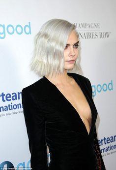 Cara Delevingne dons a low-cut blazer at LA gala - April 2017 Glam Rock, Cara Delevingne Style, Platinum Blonde, Celebs, Celebrities, Silver Hair, Mannequins, Glamour, Boho
